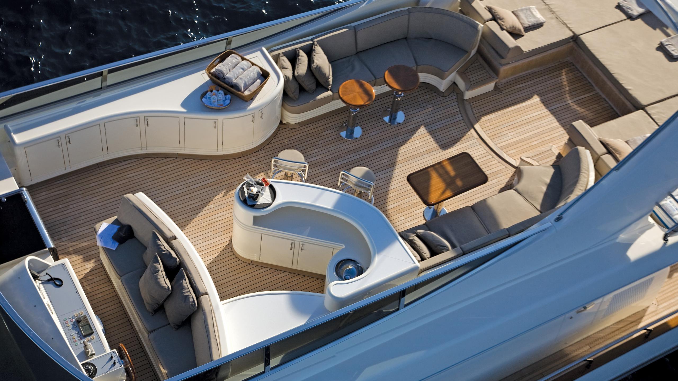 little-jems-yacht-sun-deck