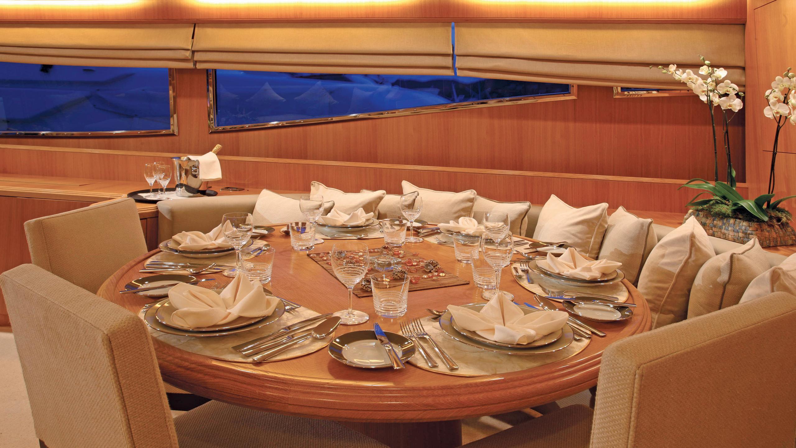 little-jems-yacht-formal-dining