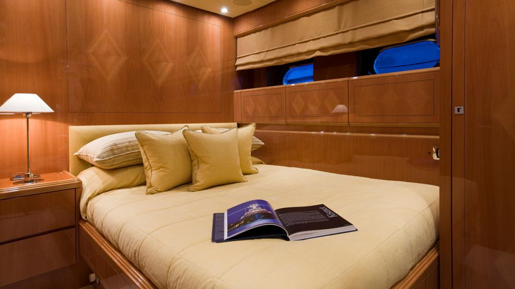 bluebird-yacht-double-cabin