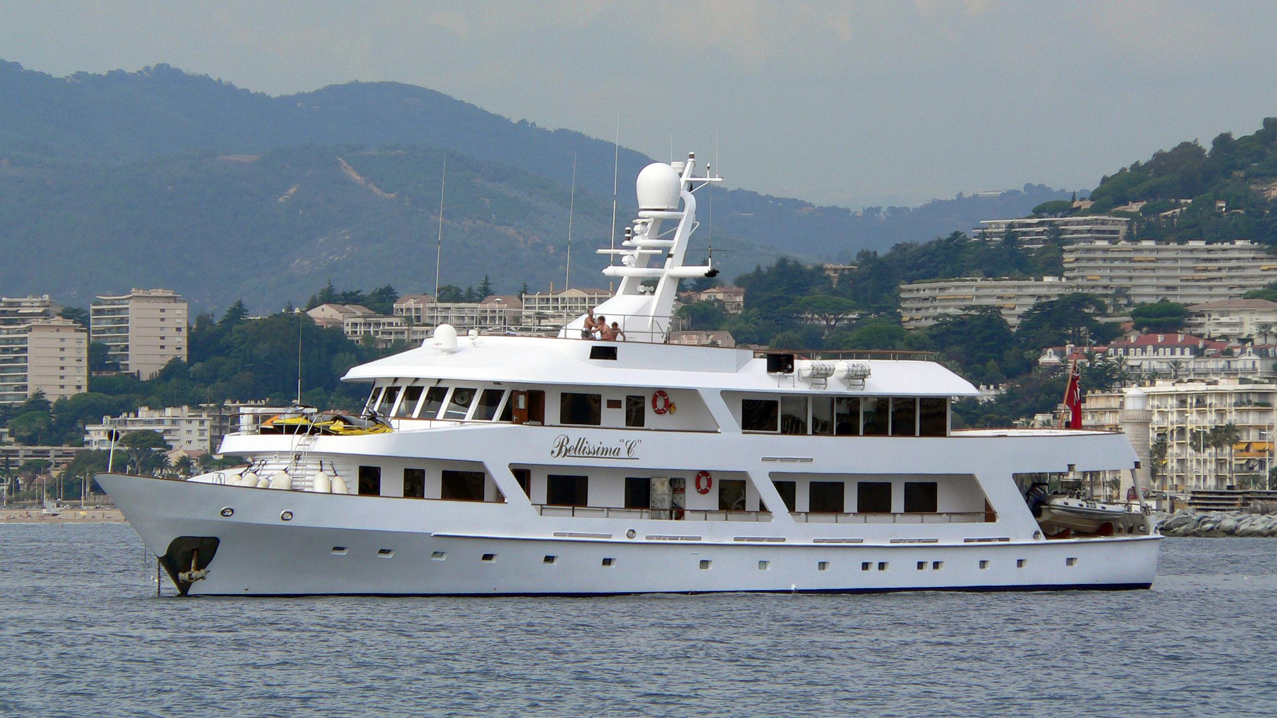 passion-yacht-exterior