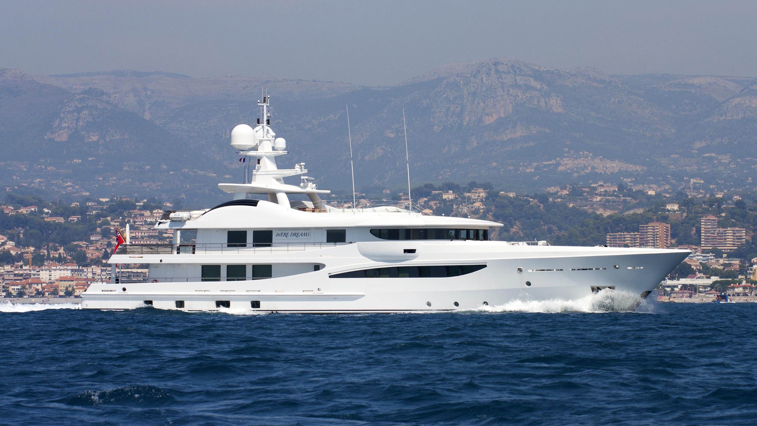 were-dreams-yacht-exterior