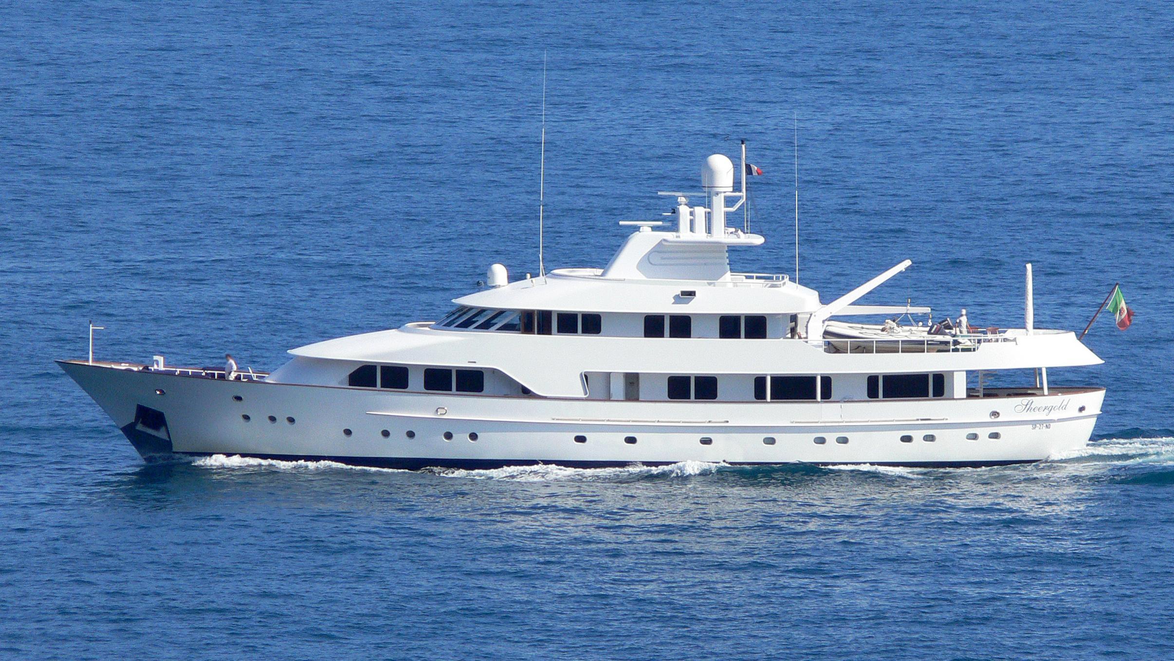 sheergold-yacht-exterior