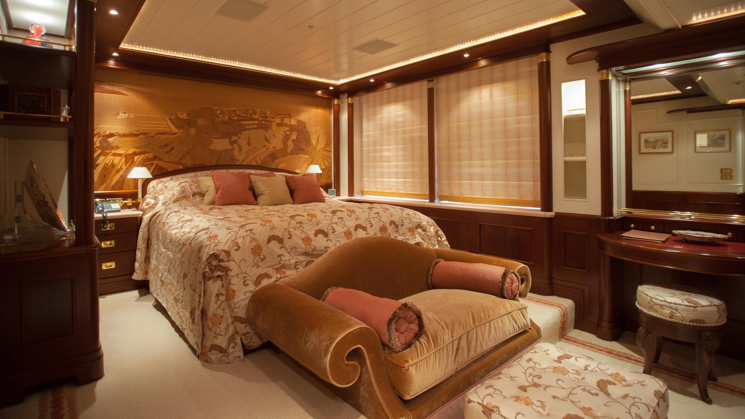 faribana-v-yacht-double-cabin