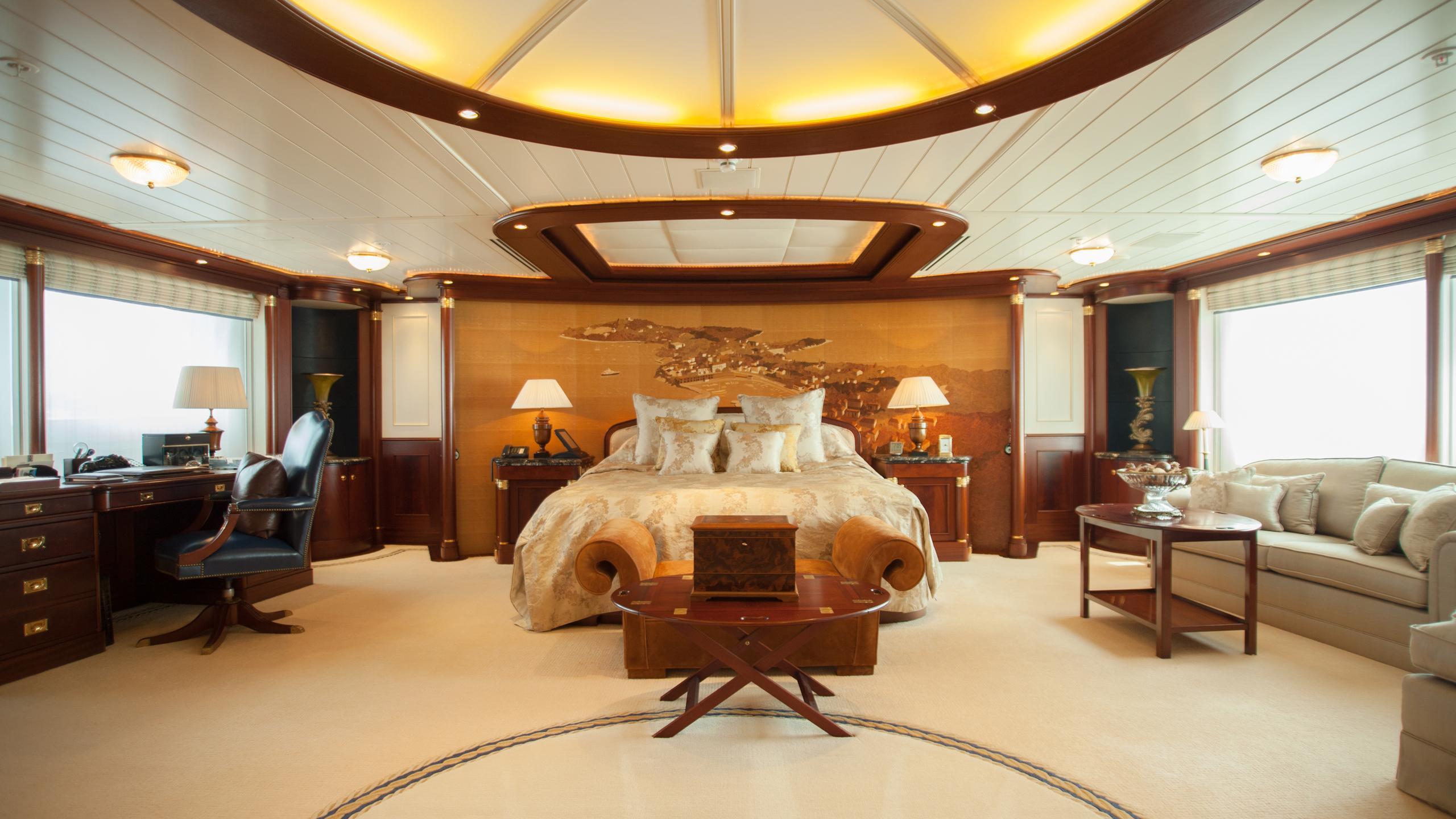 faribana-v-yacht-master-cabin