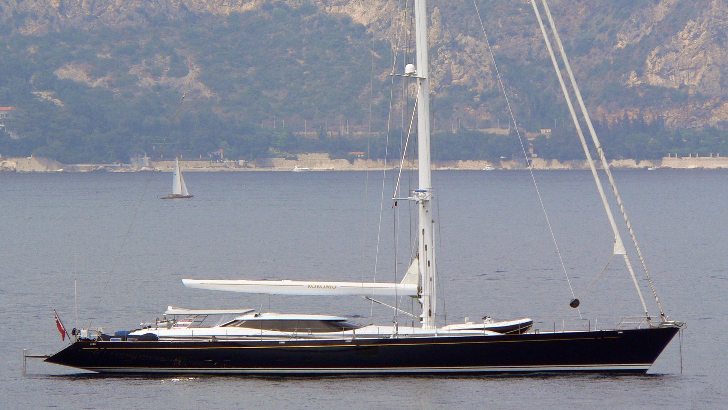 zalmon-nuberu-blau-yacht-exterior