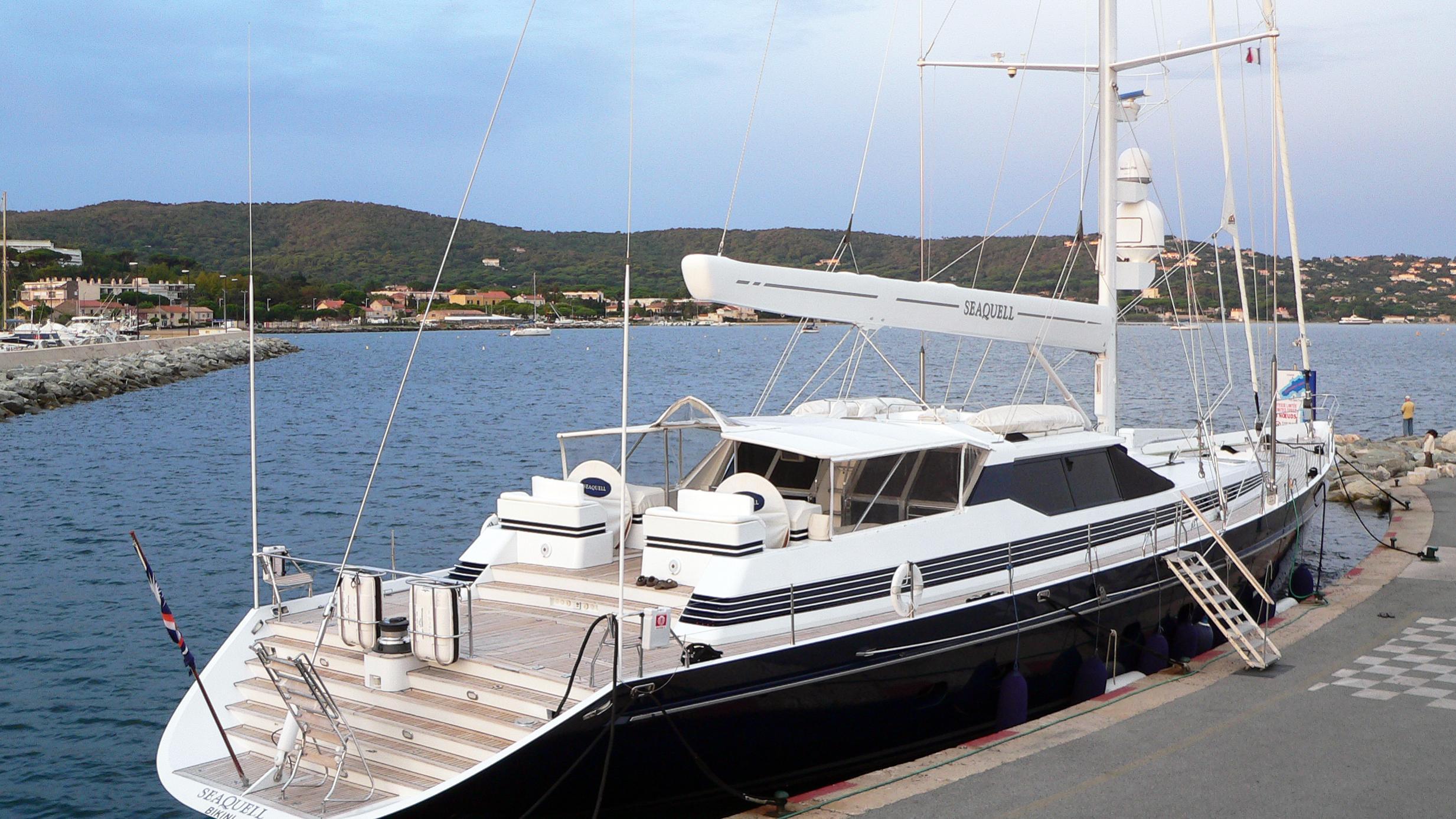 seaquell-yacht-exterior