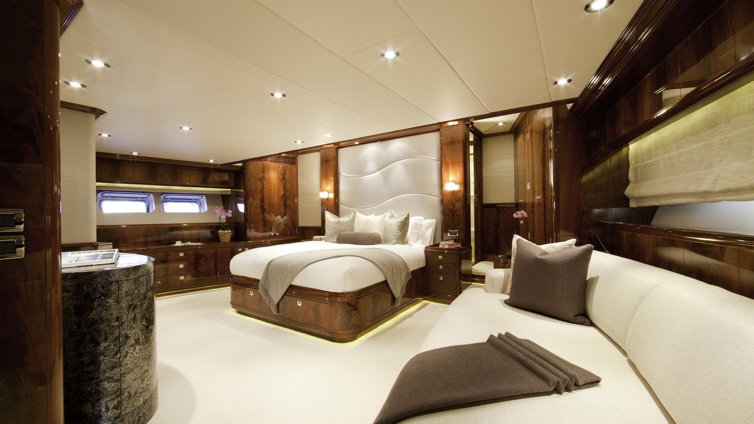 destination-fox-harb'r-yacht-master-cabin