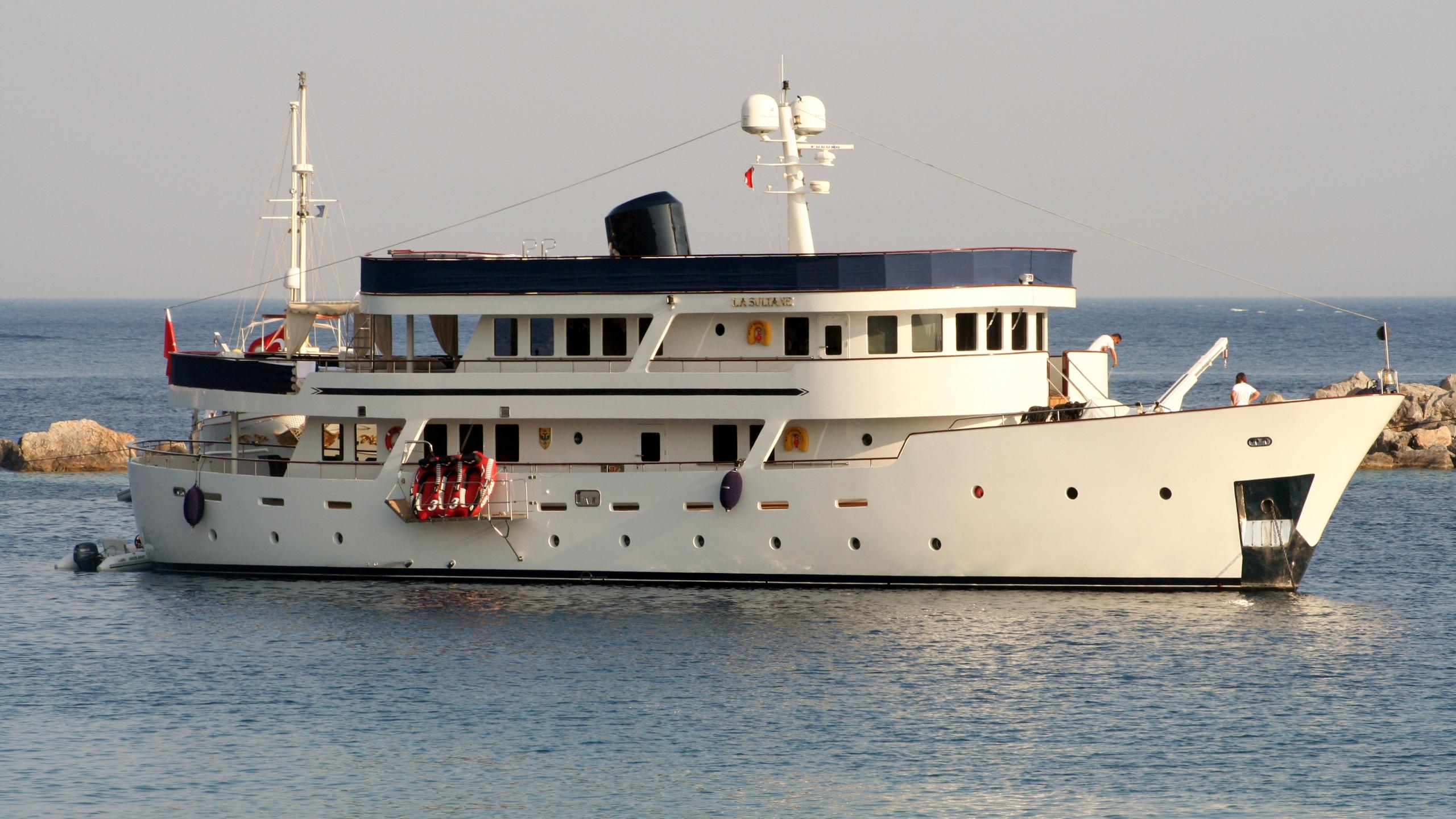 donna del mar la sultane motoryacht aegean yacht 34m 2006 profile
