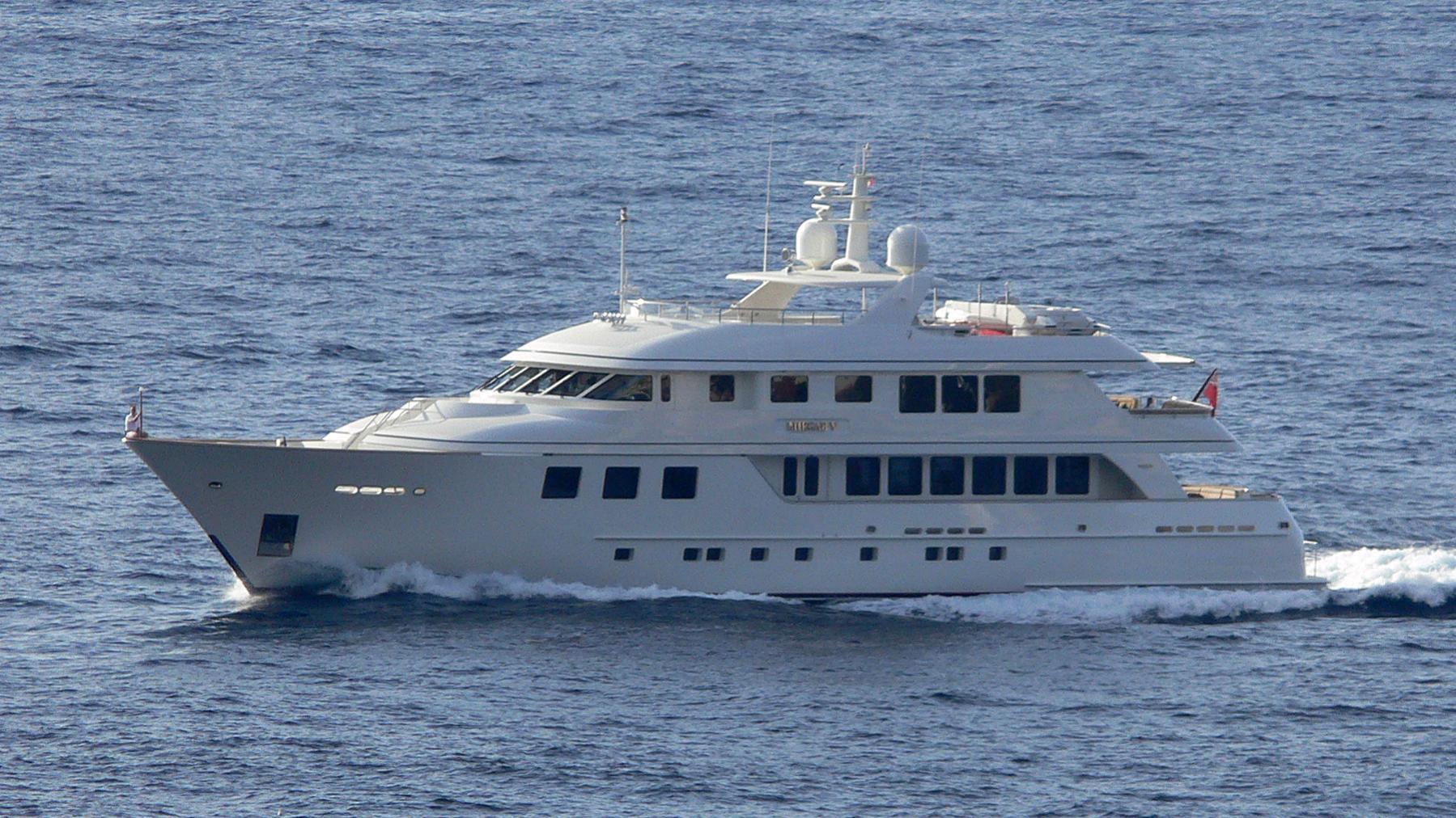 maghreb-v-yacht-exterior