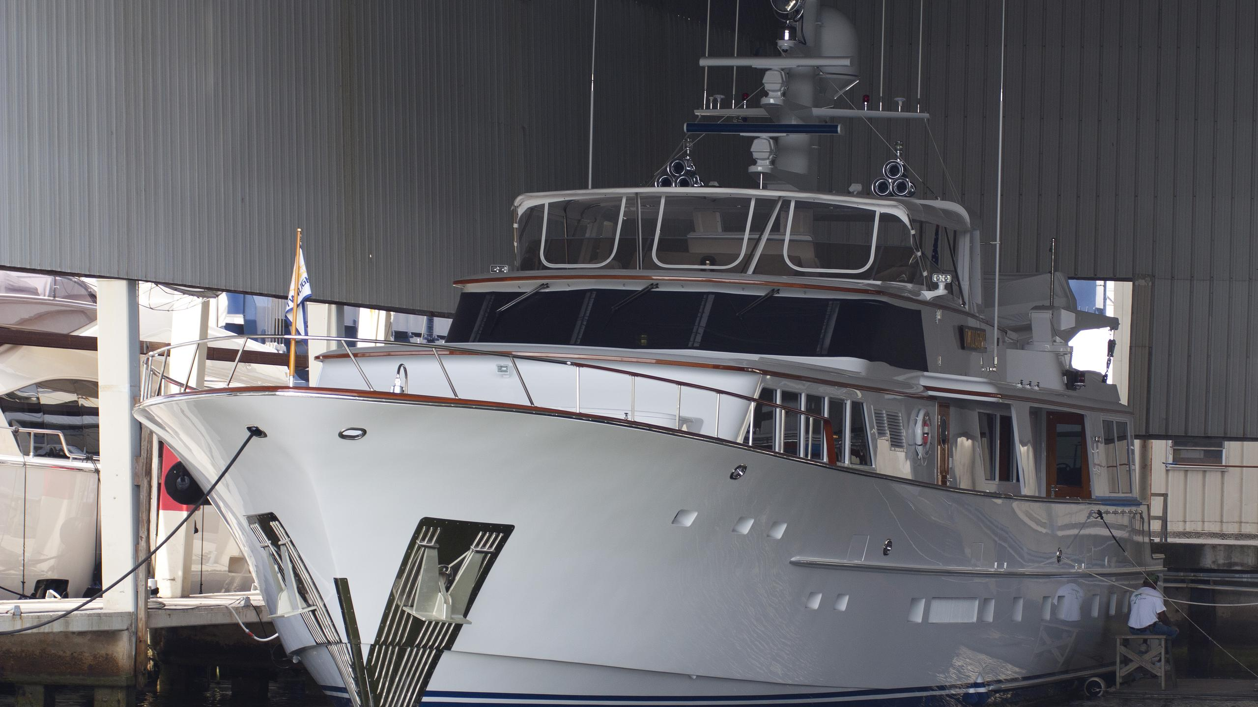inevitable twilight motoryacht burger boat 36m 1994 bow
