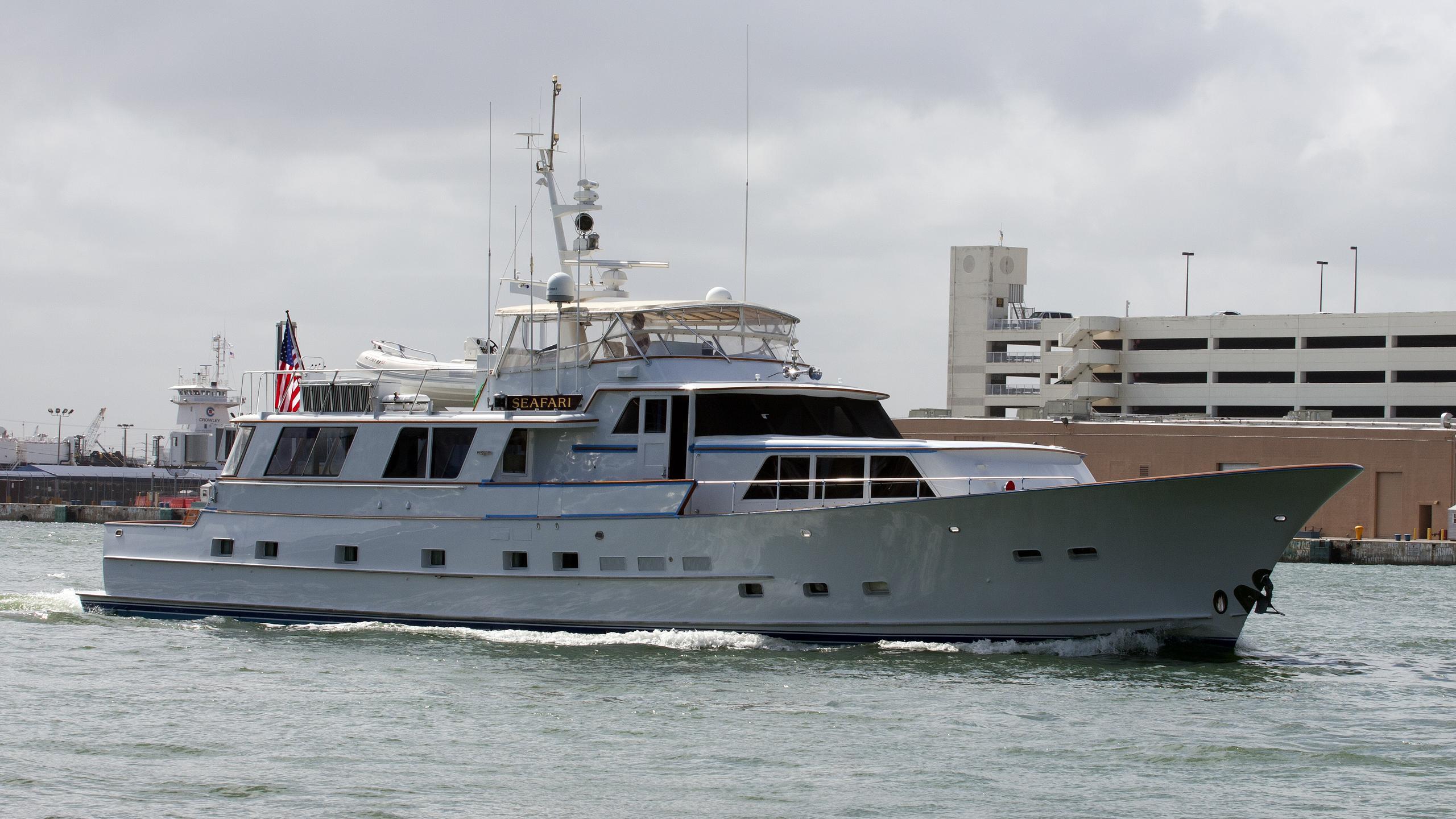 seafari-yacht-exterior
