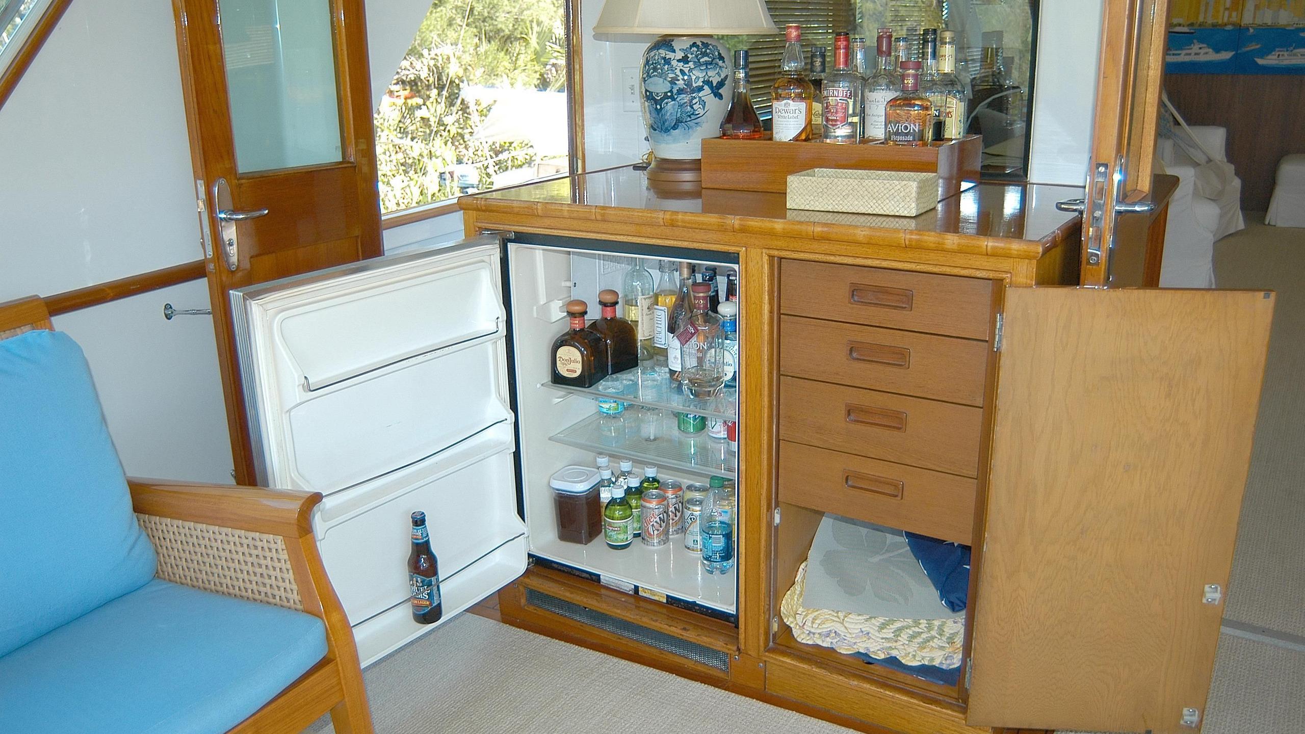 capricho-yacht-bar