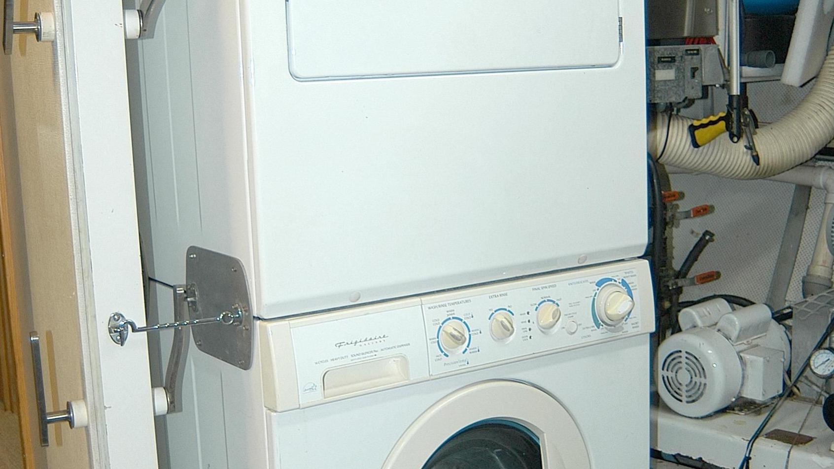capricho-yacht-washing-machine