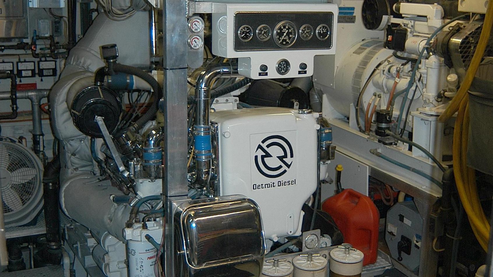 capricho-yacht-engineroom