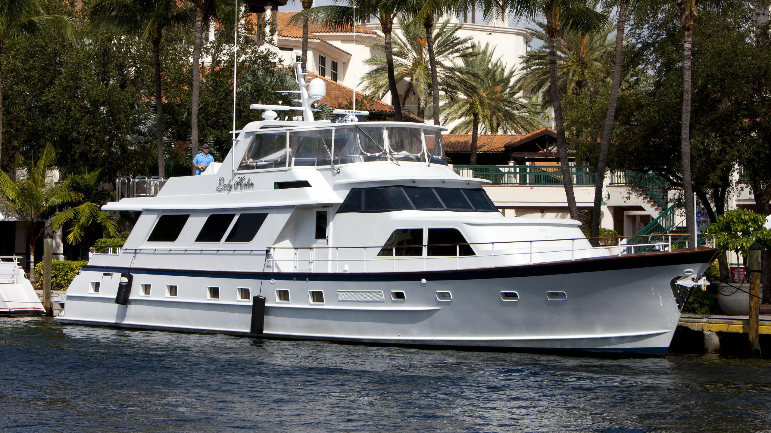 lady-helen-yacht-exterior