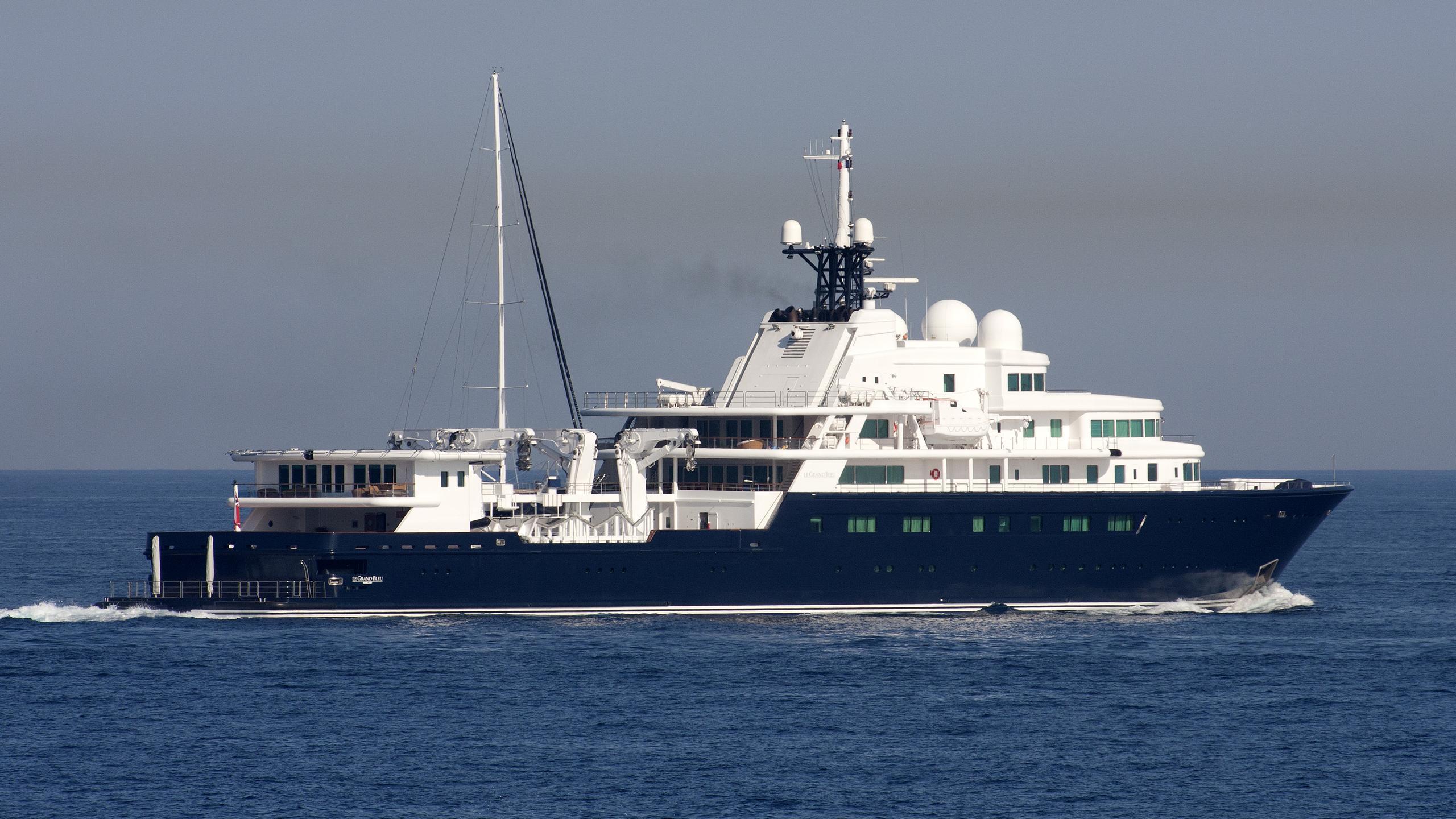 le-grand-bleu-yacht-exterior