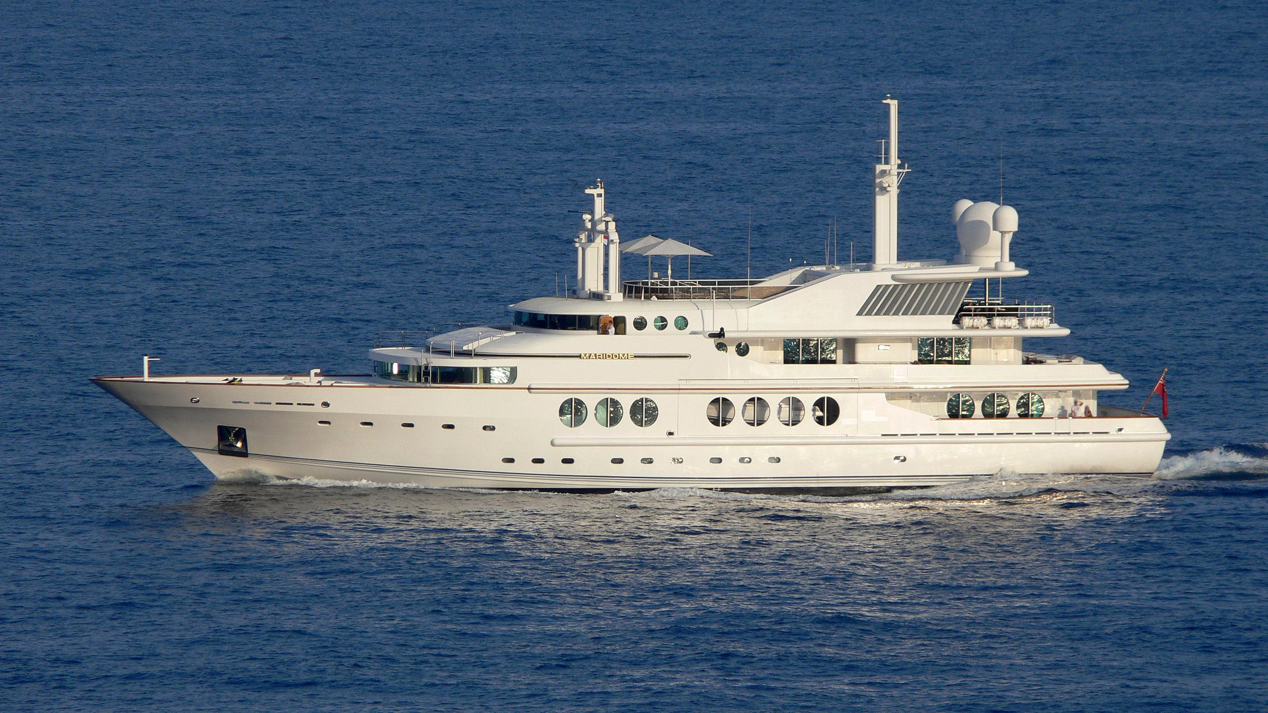 maridome-yacht-exterior