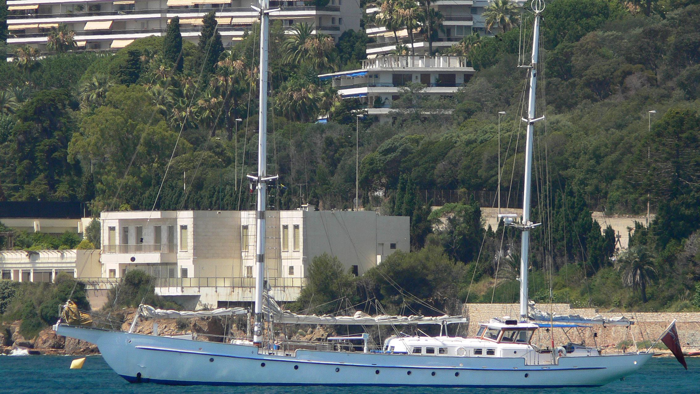 atalante-yacht-exterior