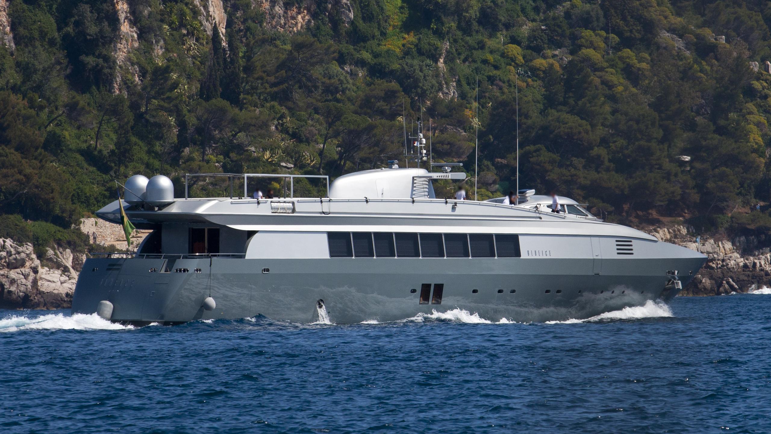 blue-ice-yacht-exterior