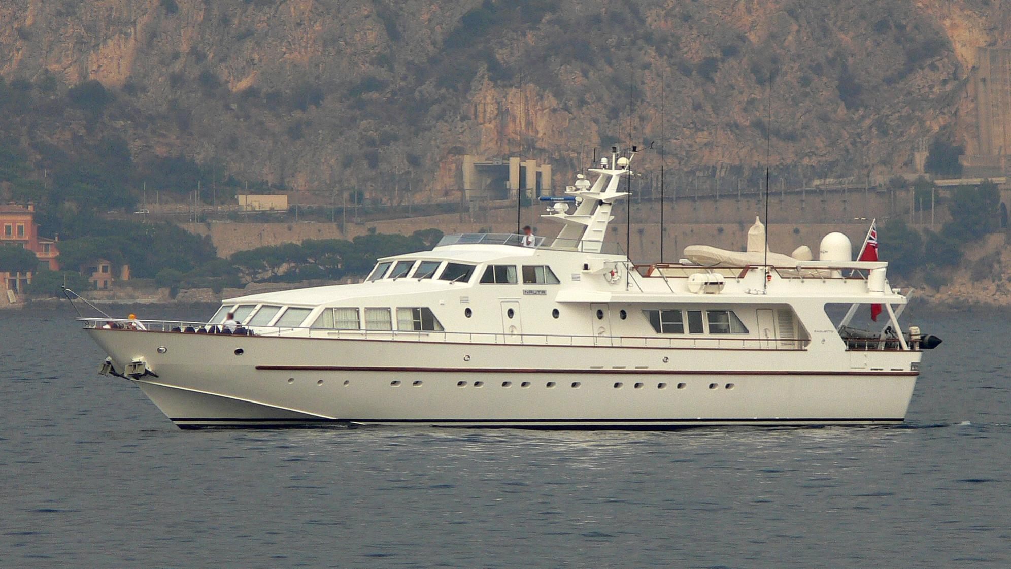 nauta-yacht-exterior