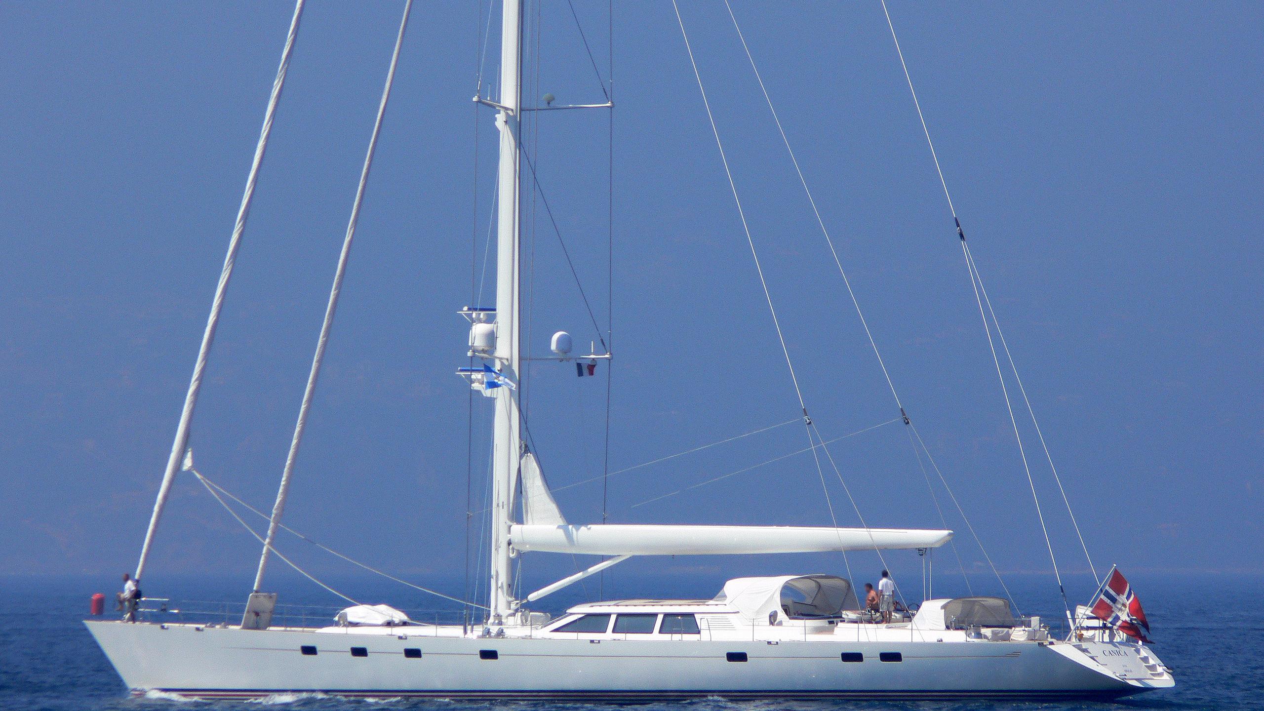 cavallo-yacht-exterior