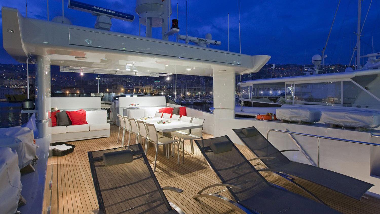 my-space-yacht-sun-deck
