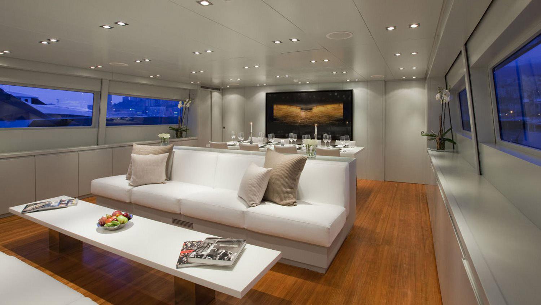 my-space-yacht-saloon