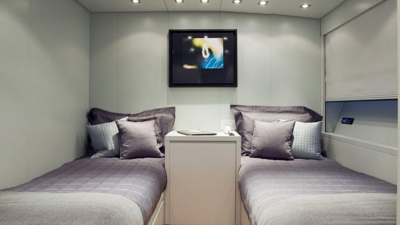 my-space-yacht-twin-cabin
