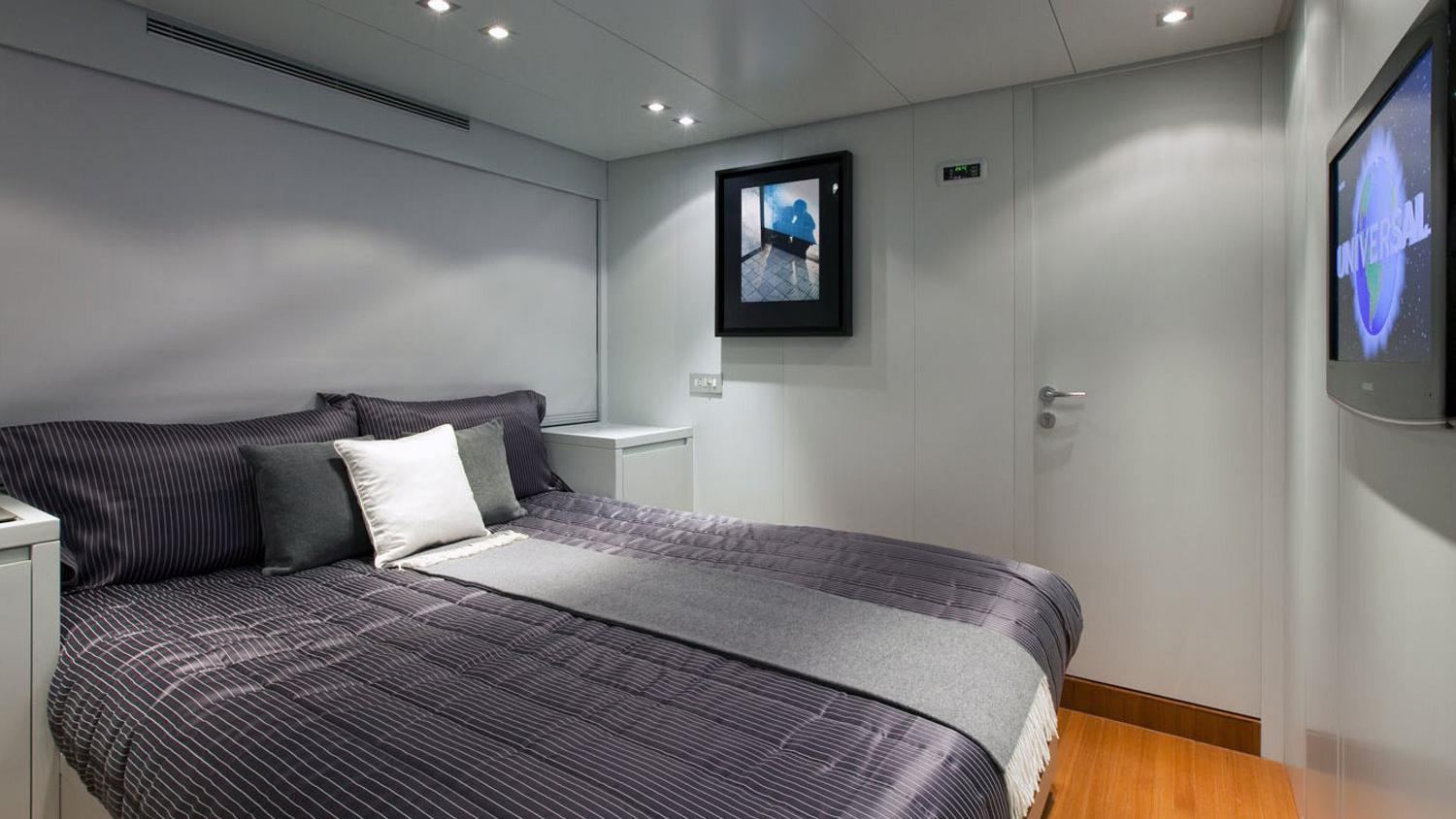 my-space-yacht-double-cabin