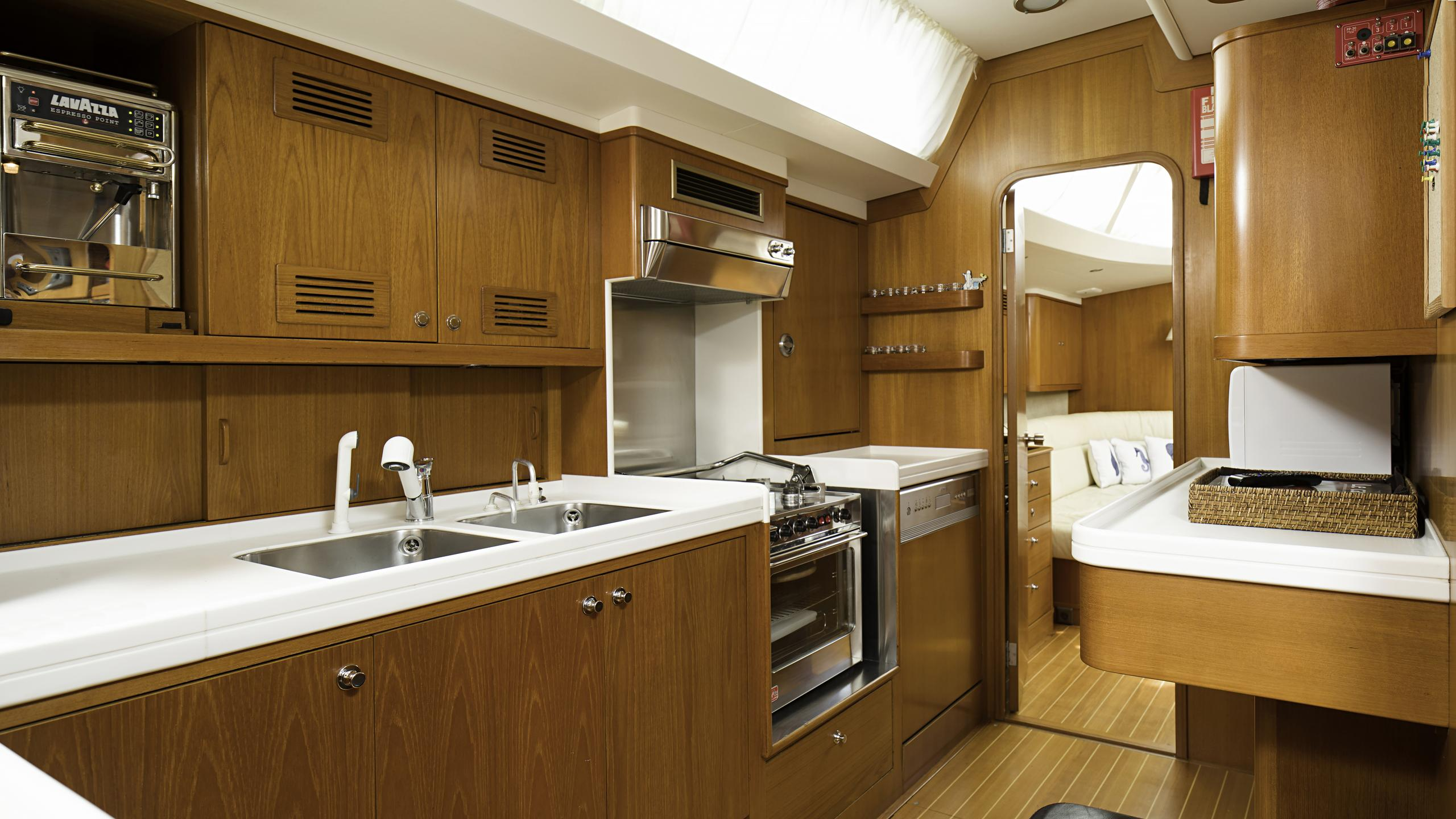 lady-g-yacht-galley