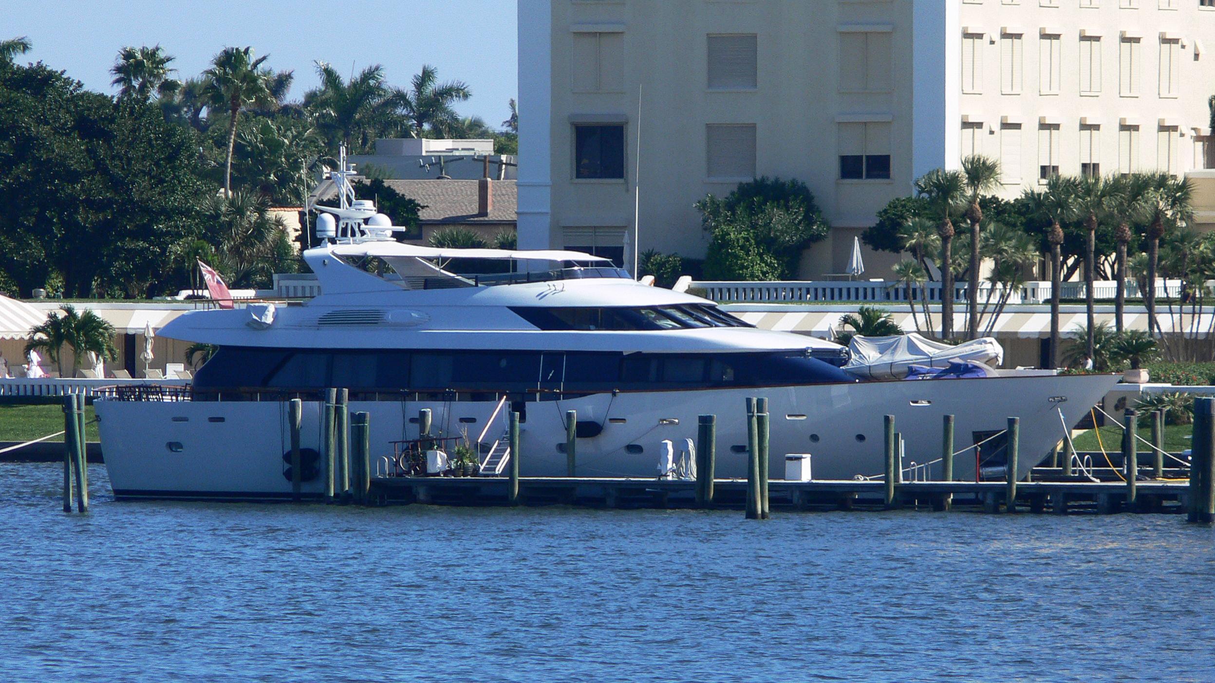 ivana-yacht-exterior