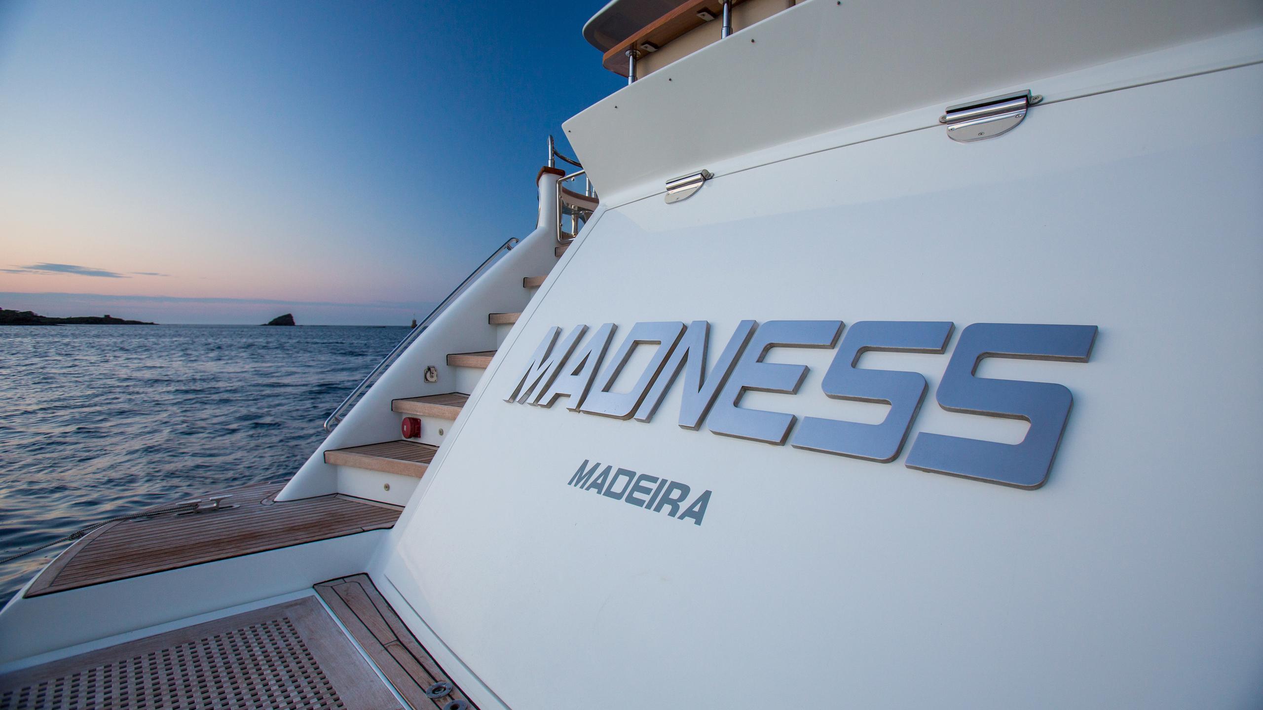 madness-yacht-madness
