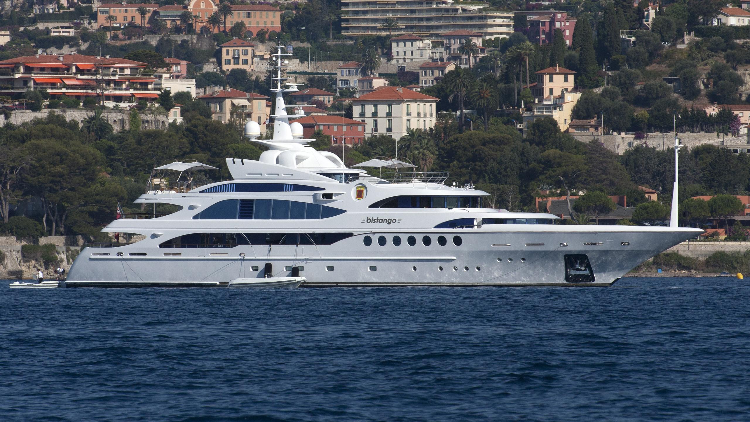 bistango-yacht-exterior