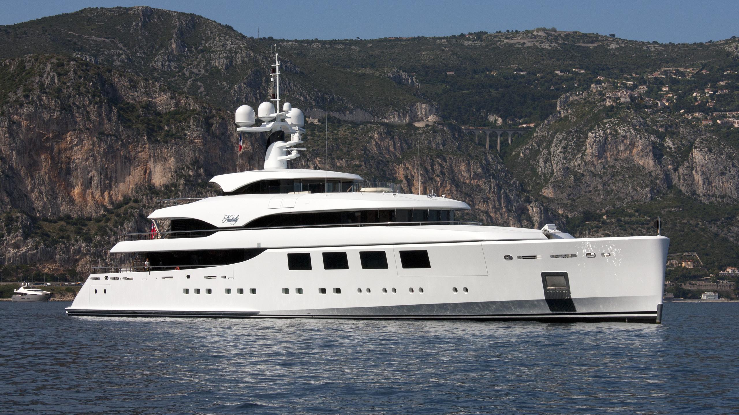 nataly-yacht-exterior
