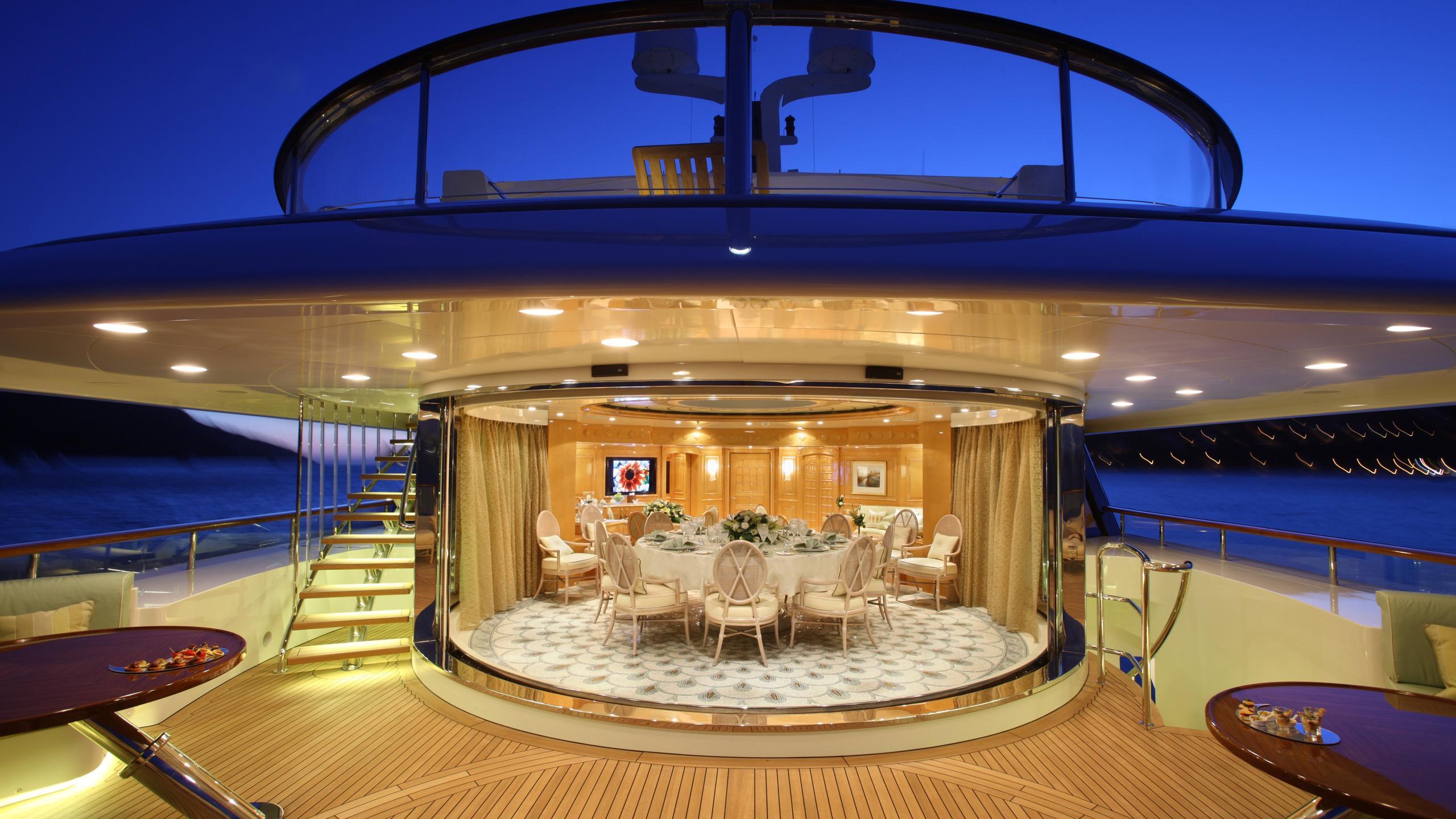st-david-yacht-upper-deck-dining