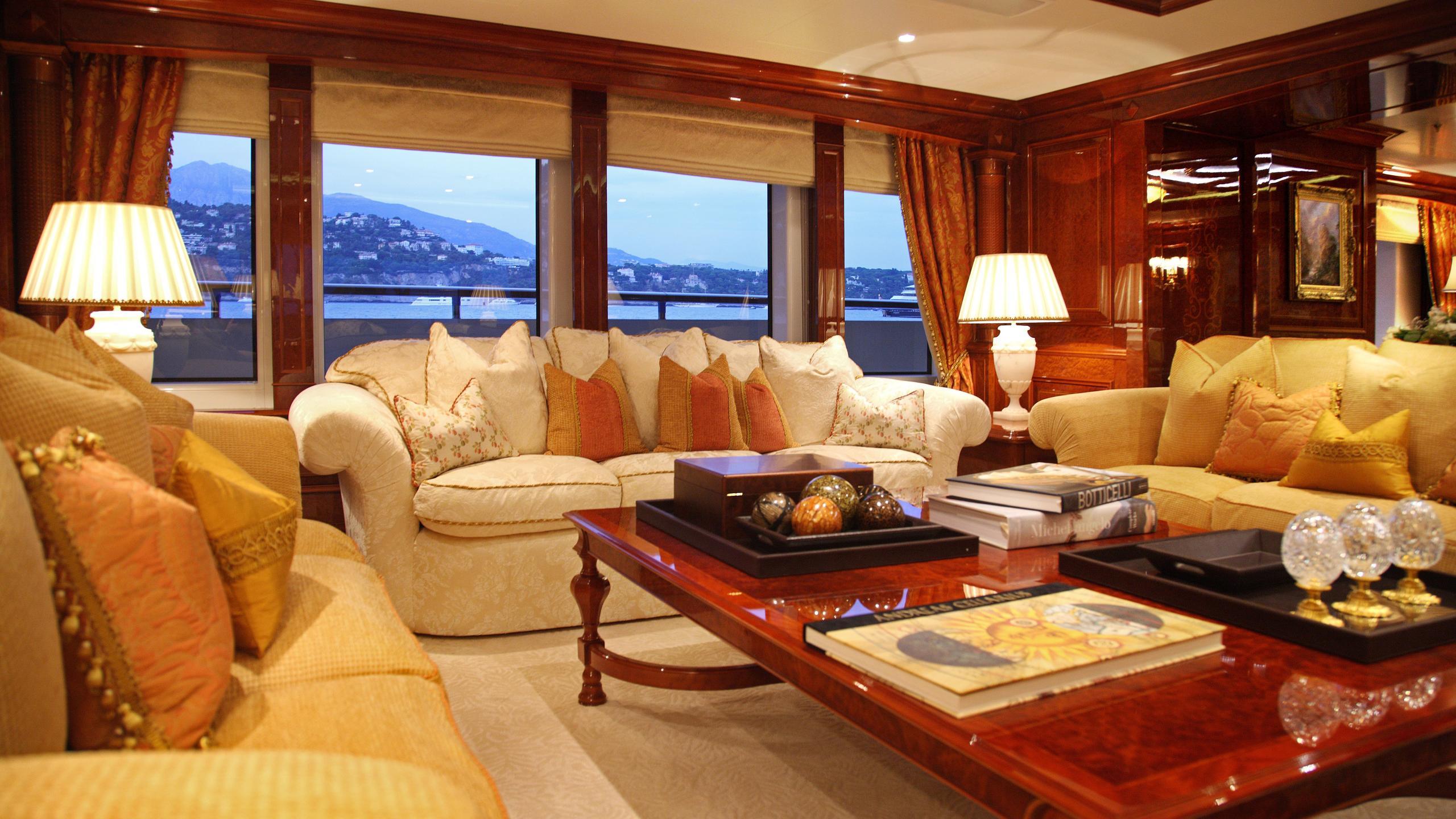st-david-yacht-saloon
