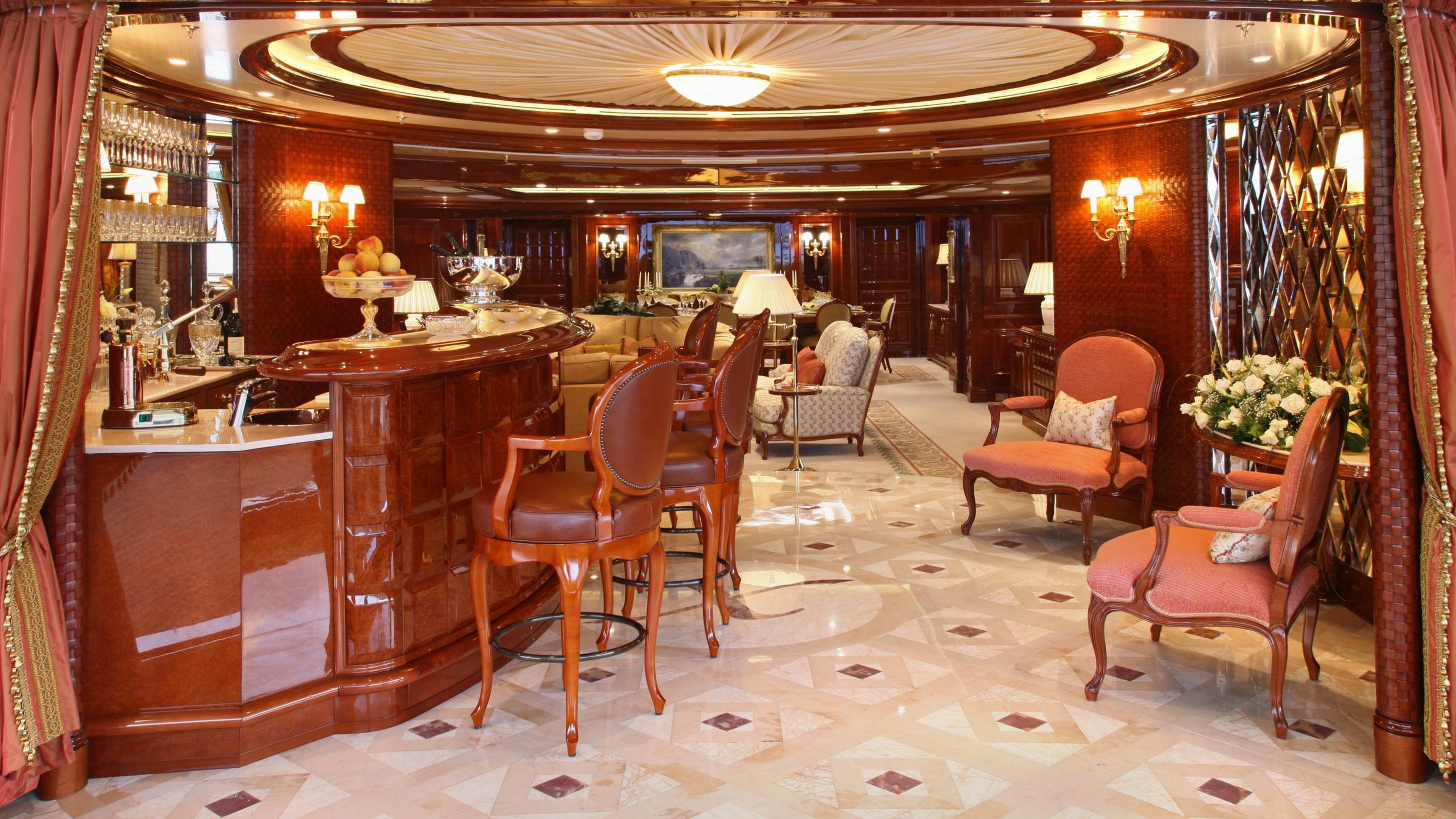 st-david-yacht-bar