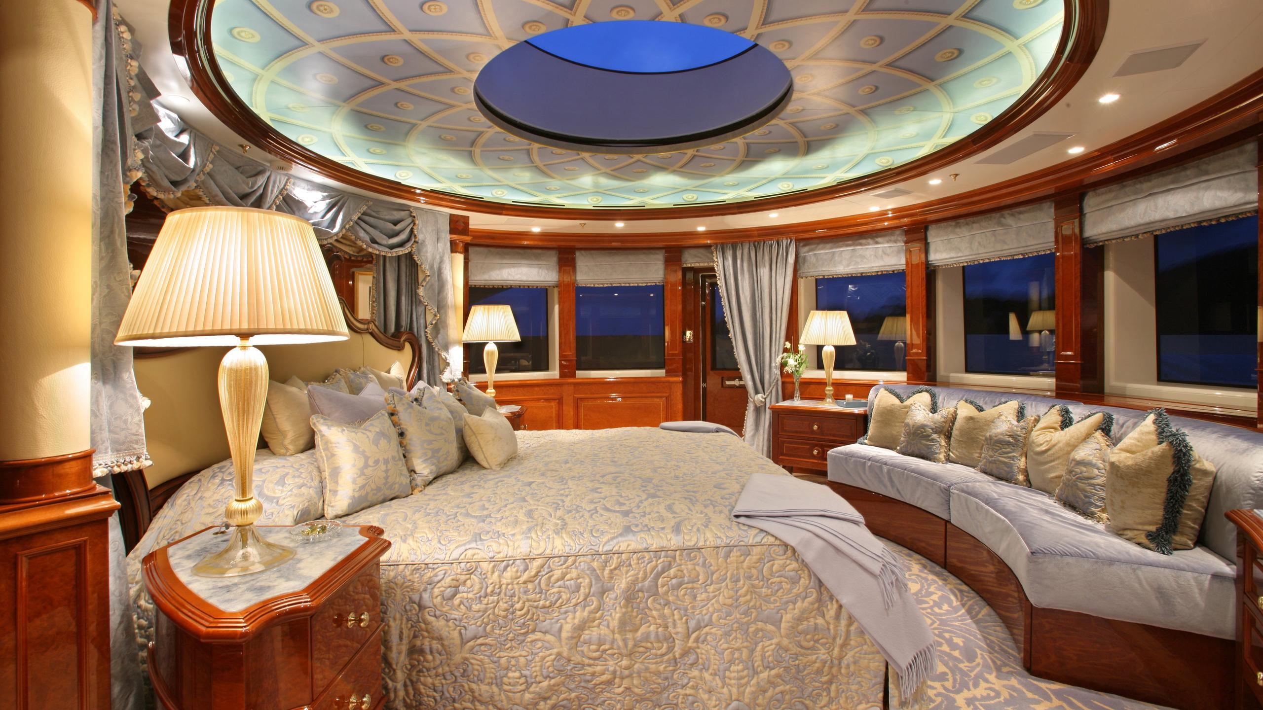 st-david-yacht-master-cabin