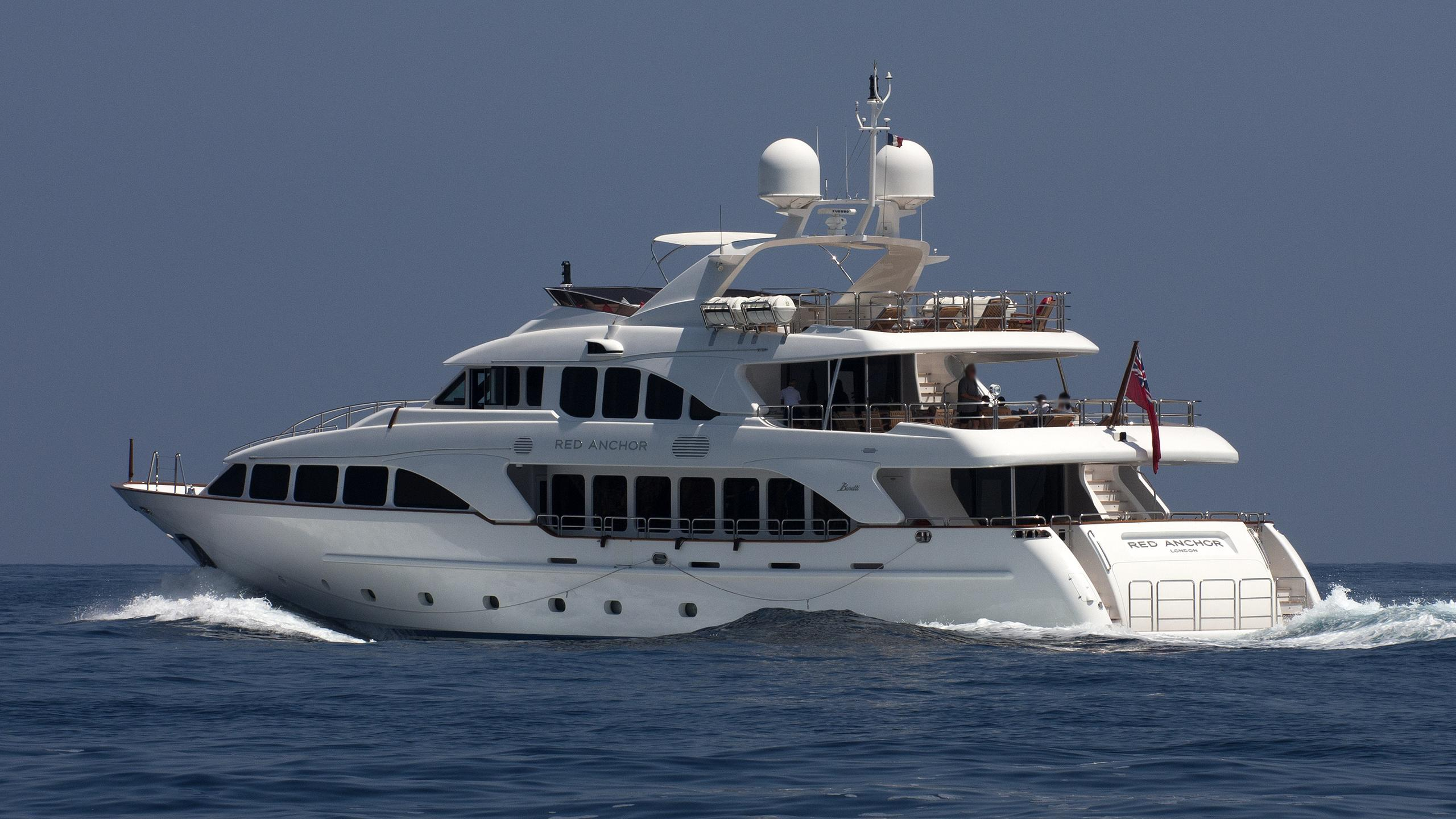 bunty red anchor motoryacht benetti 37m 2009 half stern