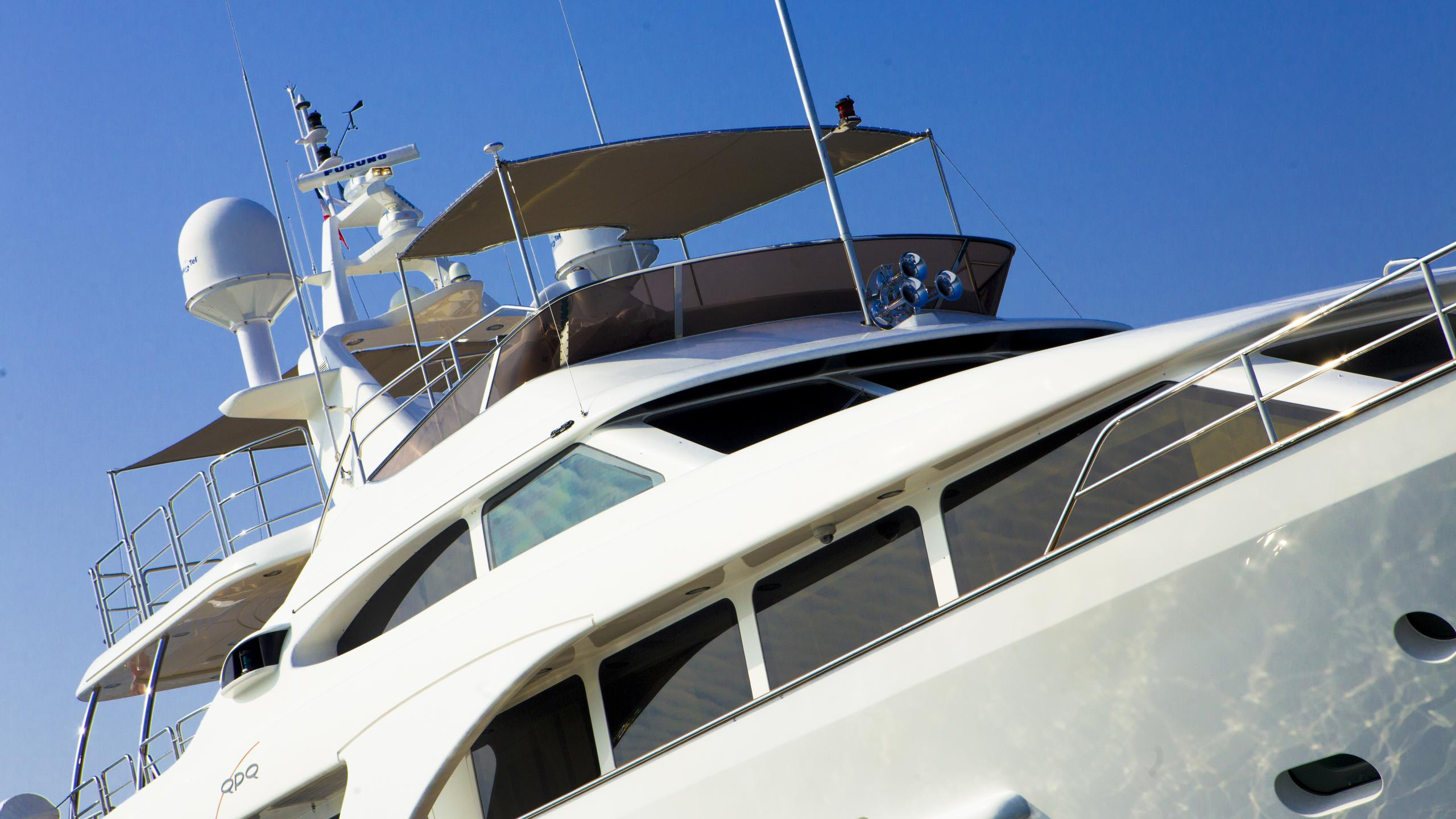 quid-pro-quo-yacht-profile-near