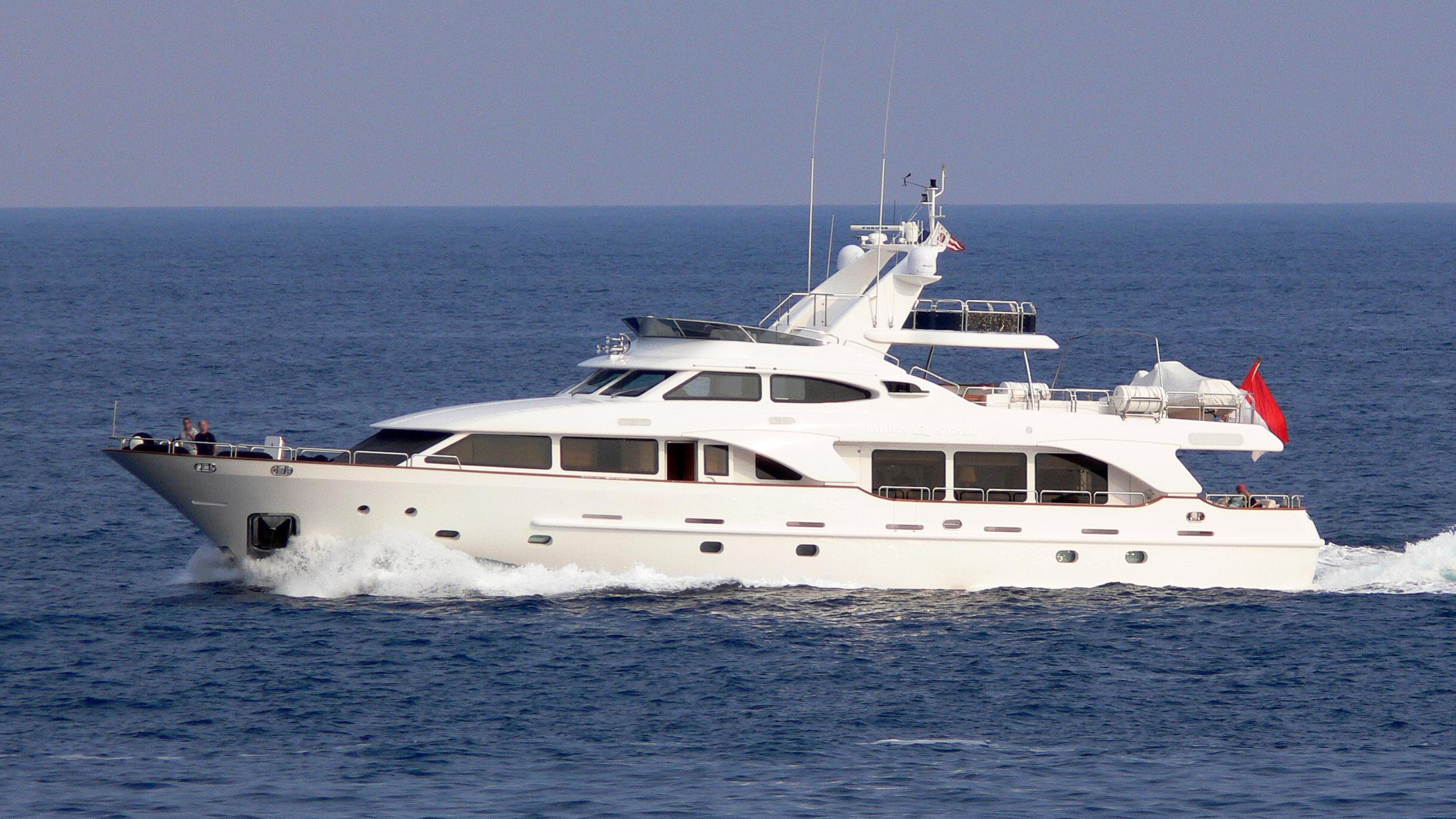 new-star-yacht-exterior