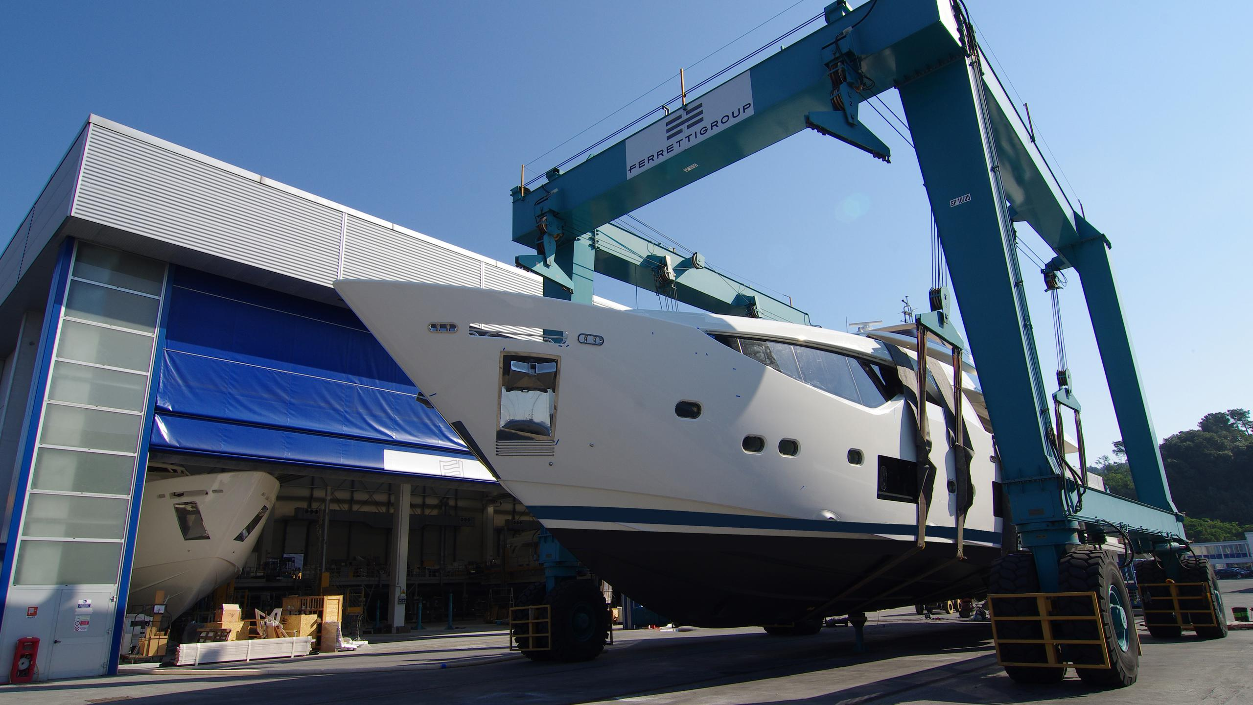 custom-line-108-yacht-launch