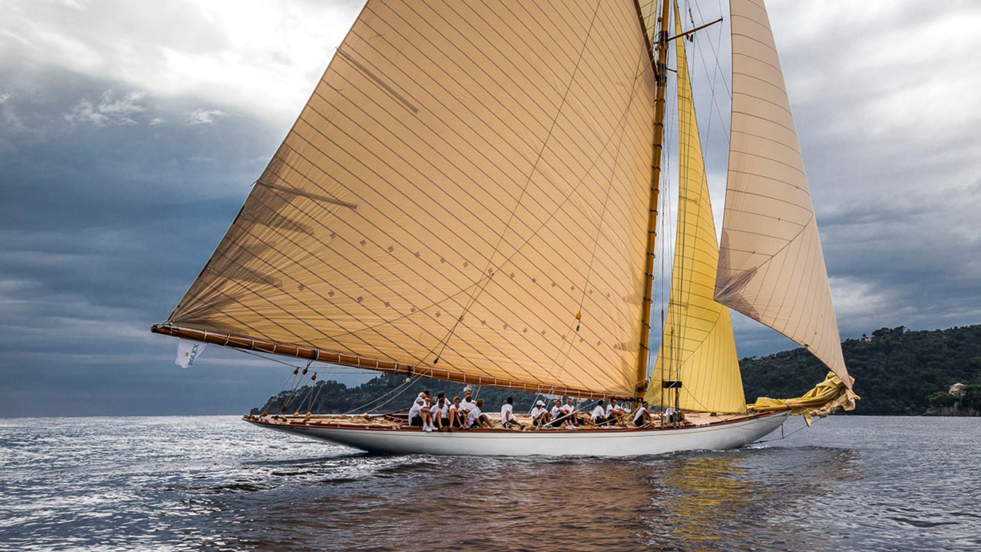 tuiga-yacht-exterior-stern