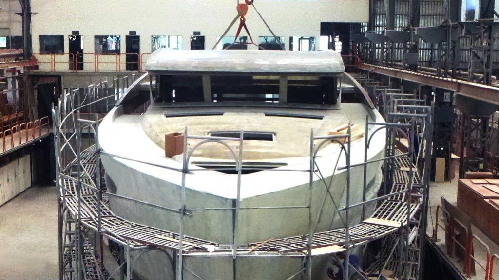 horizon-fd85-yacht-construction-bow