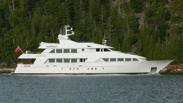 super-yacht-four-wishes