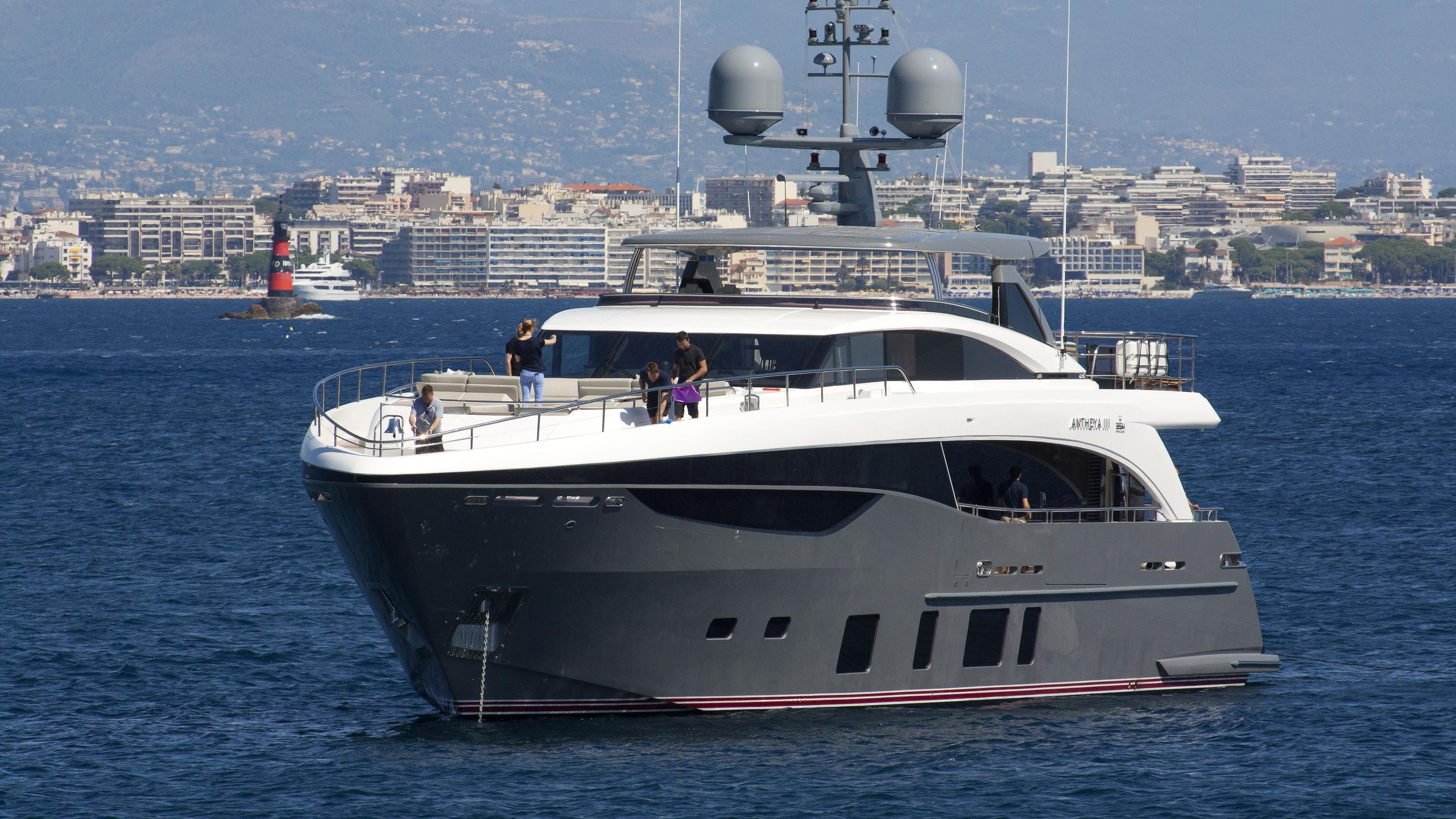 antheya-iii-yacht-exterior-bow