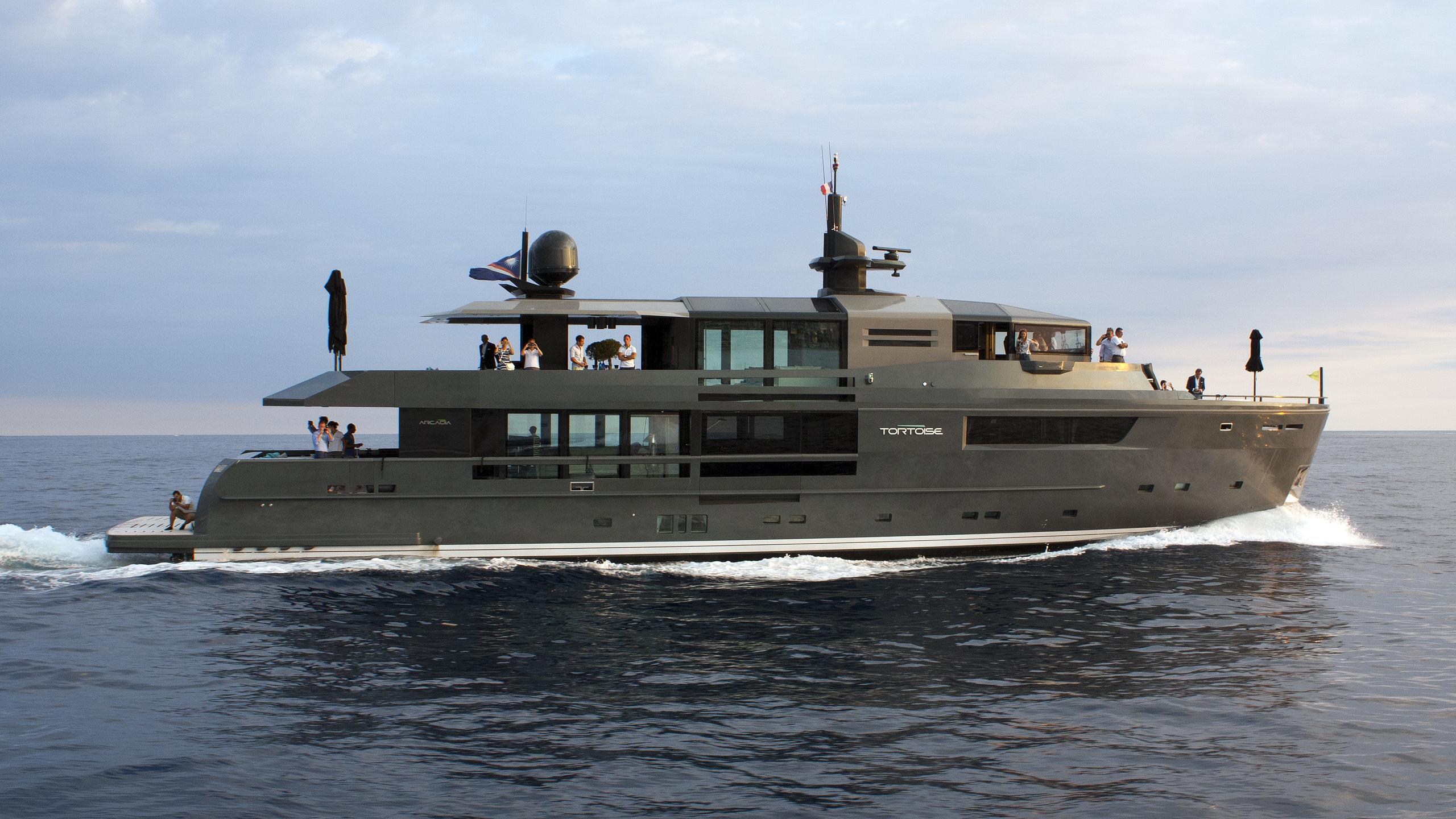 tortoise motoryacht arcadia yachts 115 2015 35m profile