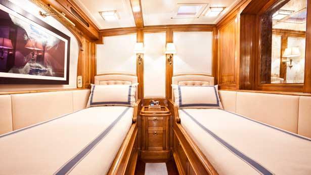 Super Yacht Hanuman guest cabin