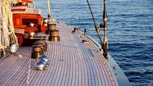 Super Yacht Hanuman deck