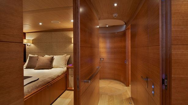 Sailing Yacht Sarissa curved corridor